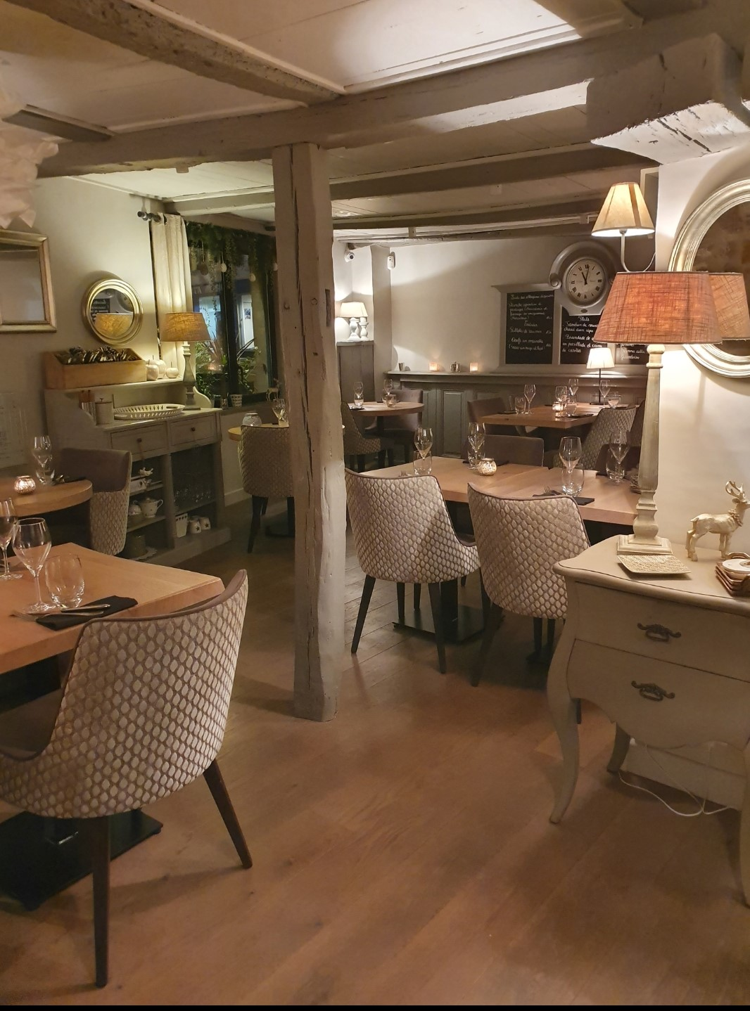 salle 6 chez cass'graine restaurant montbéliard